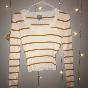 White and mustard stripes long sleeve sweater